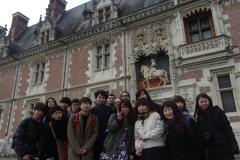 Les stagiaires devant le château de Blois